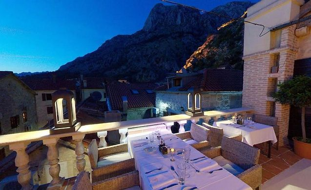 Boutique hotel hippocampus kotor kotor czarnog ra for Boutique hotel kotor